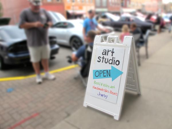 Sign for Lisa DeVine's open studio
